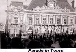 toursparade2.jpg
